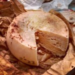 Ini Dia Makanan Ekstrem dari Italia, Casu Marzu Keju Belatung dari Sardinia
